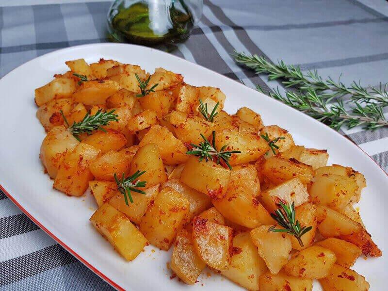 Patate al Forno con Pomodoro