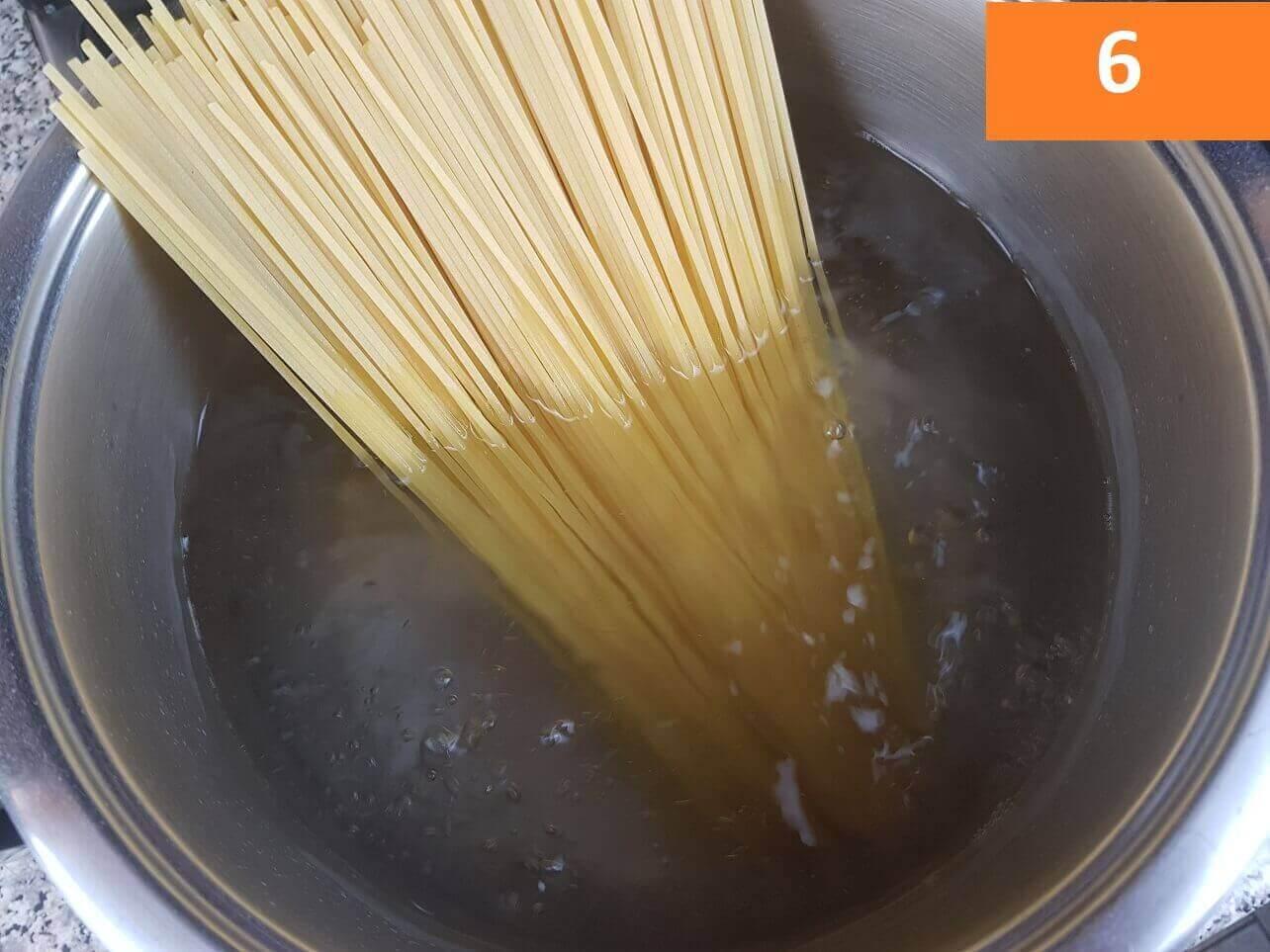 Cottura spaghetti alle vongole