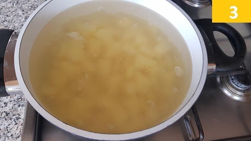 Bollire la Patate per 10 Minuti
