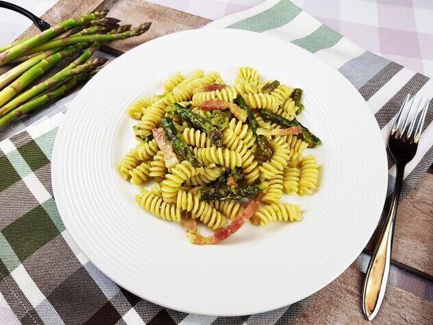 Pasta con gli Asparagi e Pancetta