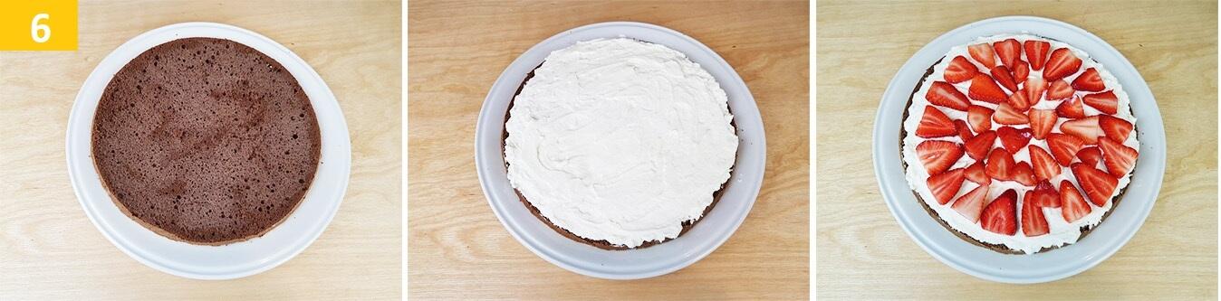 Bagnare  la Base con il latte e formare uno Strato di Crema e Fragole